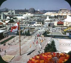 Expo 67 ground Expo 67 Montreal, Montreal Quebec, View Master, Geodesic Dome, World's Fair, Canada Travel, Vintage Photography, Hui, Vintage Photos
