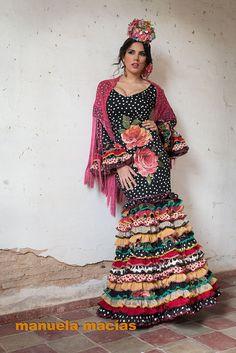 Colección de trajes de flamenca 2015 - Manuela Macías Moda Flamenca Flamenco Party, Flamenco Costume, Flamenco Dresses, Passion For Fashion, Love Fashion, Spanish Dress, Spanish Style, Spanish Fashion, House Dress