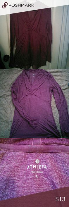 Comfy womens Athleta shirt💞💞💞 This maroon colored long sleeve Athleta brand shirt is brand new, never worn💞💞it has the thumb holes that are all the rage today💞💞💞Really attractive active wear💞💞💞 Athletica Tops Tunics