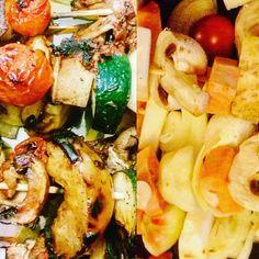 Szaszłyki warzywne z tofu w marynacie słodko-pikantnej na ajvarze – Roślinne pychotki