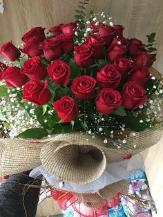 Red Rose Bouquet, Hand Bouquet, Beautiful Bouquet Of Flowers, Beautiful Roses, Lovely Perfume, Bloom Baby, Rose Arrangements, Good Morning Flowers, Rose Wallpaper