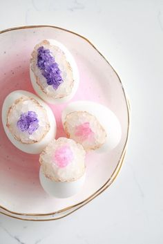 DIY Geode Easter Eggs, Crafts, Amethyst, Rose Quartz #diy #eastereggs #eastercrafts
