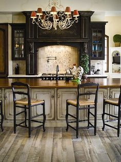 I want my cabinets to look like this one day!!!