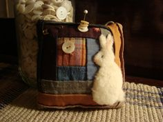 Old Quilt Rabbit Pinkeep
