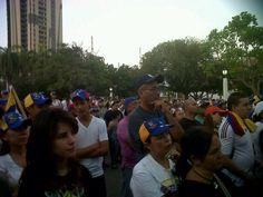@VOZ_URBE  23F en la plaza la Rep, Maracaibo,en Asamblea de ciudadanos 6:30 pm @Linda Bratager pic.twitter.com/2wFlhrYHiC