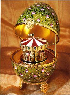Fabergè uovo imperiale con giostra