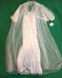 38f373da92 Ilise Stevens Vintage White Lingerie Peignoir Gown Robe Size Large New