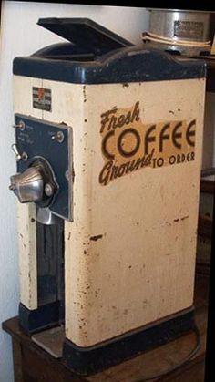 VINTAGE - AMERICAN DUPLEX COFFEE GRINDER