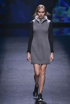 Atsushi Nakashima - Ready-to-Wear - Runway Collection - Women Spring / Summer 2015 - See more at: http://firstview.com/collection.php?p=25&id=40436&of=30#sthash.2p5Q4gQT.dpuf