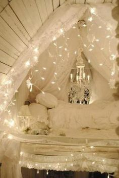 CeLeStiaL  Wouldn't this be so pretty (and warm, inviting, magical) modified in a classroom?!