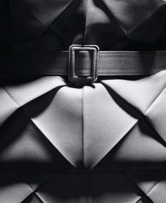 Origami pleating for the Spring-Summer 2007 Haute Couture collection © Laziz Hamani 3    Photo:  Courtesy of Dior