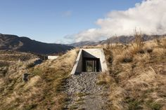This Queenstown home has a seamless connection to its surrounding landscape.