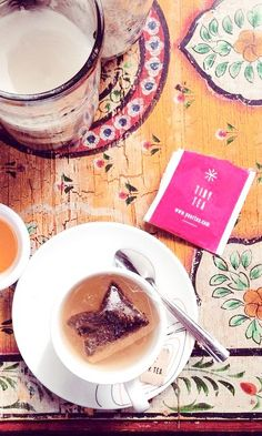Tiny Tea is a great way to cure bloating. Eating Clean, Healthy Eating, Tea And Books, Cream Tea, Pink Stuff, Misfits, Yummy Eats, Lemon Grass, High Protein