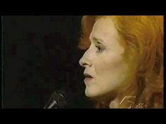 Bonnie Raitt & Randy Newman - Feels like home to me.    THIS IS PROBABLY MY FAVOURITE VERSION OF THIS BEAUTIFUL SONG  XXX