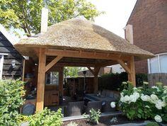 schitterende buitenkeuken / hooiberg www.blokhutvillage.nl