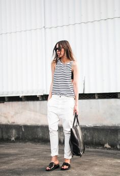 striped tank top 2017 with white jeans Look Fashion, Fashion Outfits, Androgynous Fashion, Striped Tank Top, Street Style Summer, Minimalist Fashion, Minimalist Style, Her Style, Spring Summer Fashion