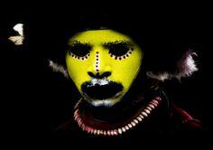 Photography by Eric Lafforgue -- Huli tribe warrior, Mount Hagen, Papua, New Guinea