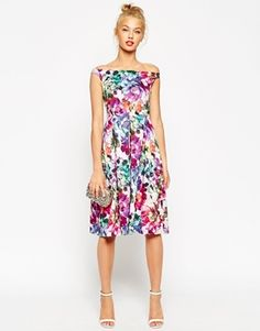 Buy ASOS PETITE Beautiful Floral Midi Prom Dress at ASOS. Get the latest trends with ASOS now. Floral Bridesmaid Dresses, Pink Prom Dresses, Petite Dresses, Tall Dresses, Dress Prom, Pink Midi Dress, Asos Dress, Festa Party, Prom Dress Shopping