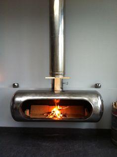 Log burner home Log burner home made Log burner home made - Modern Fireplace, Fireplace Design, Metal Projects, Welding Projects, Gas Bottle Wood Burner, Fire Pit Designs, Stove Fireplace, Rocket Stoves, Log Burner