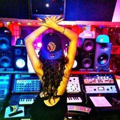 #SelenaGomez Selena Gomez #Music