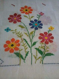 This Pin was discovered by Ays Cross Stitch Pillow, Cross Stitch Art, Beaded Cross Stitch, Cross Stitch Borders, Modern Cross Stitch, Cross Stitch Flowers, Cross Stitching, Cross Stitch Embroidery, Hand Embroidery