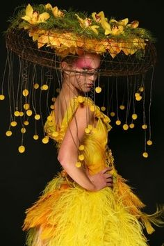 NYC's HeadDress Ball, floral fashion show fundraiser – (photo: ©Matthew Peyton)… – 2019 - Floral Decor Floral Fashion, Look Fashion, Fashion Show, Botanical Fashion, Yellow Fashion, 2000s Fashion, Fashion Hair, Fashion Kids, Couture Fashion