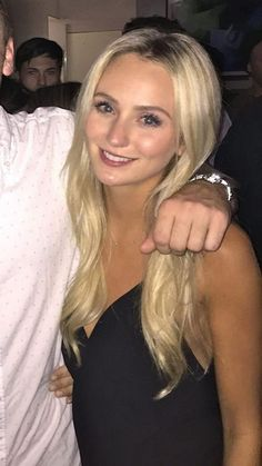 The Bachelor 2016 Spoilers: Ben Higgins Engaged To Season 20 Winner Lauren Bushnell – Reality Steve Correct? Down Hairstyles, Easy Hairstyles, Wedding Hairstyles, Abc Bachelorette, Ben And Lauren, Ben Higgins, Lauren Bushnell, Kaitlyn Bristowe, Let Your Hair Down