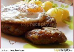 Sekané bifteky s vejci recept - TopRecepty.cz