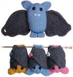 This little bat is a quick knit featuring wraparound wings and feet that can hang from your finger or the nearest tree branch. Pattern techniques include knitting in the round on double-pointed needles, picking up stitches, and mattress stitch. Crochet Amigurumi, Knit Or Crochet, Crochet Toys, Knitting Projects, Crochet Projects, Halloween Knitting Patterns, Halloween Crochet, Knitting Ideas, Bat Pattern