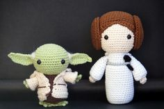 amigurumi yoda free pattern 23 PATRÓN EN ESPAÑOL SCHEMA IN ITALIANO Hello there! Today I want to share with you a free amigurumi pattern of Yoda! I created this crochet chibi version a few years ago, as a commission from a hard-… Star Wars Crochet, Crochet Stars, Crochet Amigurumi Free Patterns, Crochet Dolls, Quick Crochet, Free Crochet, Yarn Tail, Amigurumi Doll, Crochet Projects