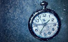 + - O tempo pode parecer que está correndo de nós, à medida que o ritmo de vida aumenta, mas de acordo com cientistas no futuro ele irá parar completamente. A teoria de que o tempo está acabando foi postulada por pesquisadores de duas universidades espanholas, que tentavam explicar porque o Universo parecia estar se …
