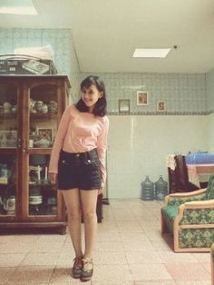 me #pinkshirt #denimhotpans #denimwedges #happiness #openaroom #shorthairs #blackhairs #mystyle