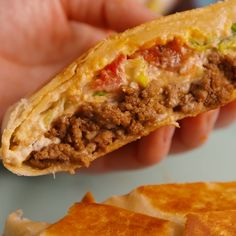 Crunchwrap Supreme – – You are in the right place about Easy Recipes dinner Here we offer you the most beautiful pictures about the Easy Recipes cake you are looking for. When you examine the Crunchwrap Supreme – – part of the picture you can get the … Lunch Recipes, Mexican Food Recipes, Appetizer Recipes, Cooking Recipes, Healthy Recipes, Healthy Tacos, Fastfood Recipes, Nacho Cheese Recipes, Good Recipes