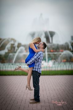 Chicago Illinois engagement photos Lincoln Park Zoo Honeycomb Fall photography, romantic pictures Buckingham Fountain Chicago engagement session Brittany Lynn Studios