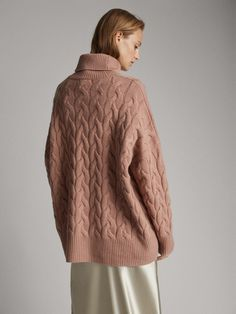 Massimo Dutti - Women - Cable-knit wool and cashmere cape sweater - Off pink - Xs Thick Sweaters, Cable Knit Sweaters, Sweaters For Women, Men Sweater, Cashmere Cape, Outfit Invierno, Knitted Cape, Fall Wardrobe, Elegant