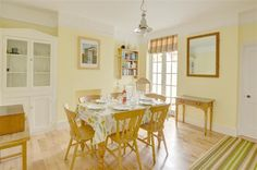 Tradewinds in situated along a quiet road in the heart of Southwold. This self-catering Suffolk cottage has cosy and bright accommodation as well as parking and Suffolk Cottage, Cosy, Dining Table, Furniture, Home Decor, Homemade Home Decor, Diner Table, Dinning Table Set, Home Furnishings