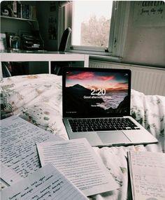 aesthetic laptop – costumiza tu pc – Gold Girl's Diary Study Organization, Study Space, Study Hard, School Notes, Pa School, Studyblr, Study Notes, Student Life, Study Motivation