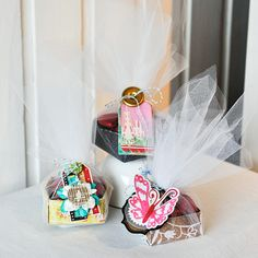 beautiful little party favors