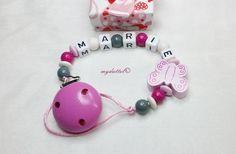 Schnullerkette Schmetterling Wunschname Baby md273 von myduttel auf DaWanda.com