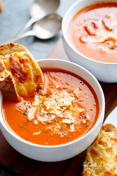 A Creamy Roasted Tomato Basil Soup full of incredible flavors, naturally thickened with no need for cream cheese or heavy creams!!