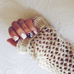 White nail polish is a classic and always looks good when you are going for a clear and simple nails. But, if you want to spice up the white-nails look, Love Nails, How To Do Nails, Pretty Nails, My Nails, Funky Nails, Dream Nails, Gorgeous Nails, Swag Nails, Manicure E Pedicure