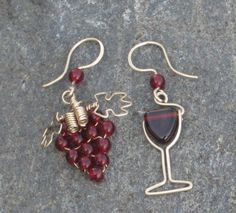 Mismatched grapes and wine earring set. Also shows different beads for different wines and martinis with beads as olives, etc. (Pinning as inspiration)