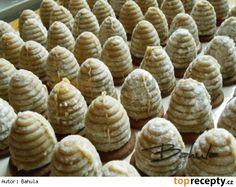 Babiččiny ořechové úlky Puff Pastry Recipes, Cake Cookies, Garlic, Cooking Recipes, Vegetables, Food, Phyllo Dough Recipes, Cooker Recipes, Veggies