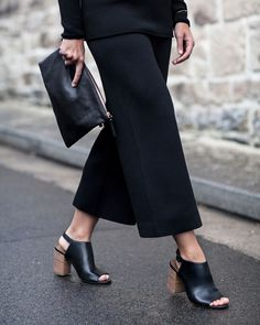 How to wear: off-the-shoulder knitwear. Harper & Harley editor Sara Donaldson provides a style lesson on one of the season's biggest trends at http://www.countryroad.com.au/livewithus/how-to-wear-off-the-shoulder-knitwear.html