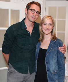 Lee Pace with his sister, Sally | Is he wearing glasses for a role or is he really short-sighted?