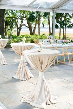 perfect wedding decorations ideas for summer page 29 Barn Wedding Decorations, Barn Wedding Venue, Wedding Table, Wedding Reception, Table Decorations, Best Wedding Colors, Spring Wedding Colors, Summer Wedding, Cocktail Table Decor