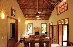 Navegue por fotos de Salas de estar coloniais: Rústica e Colonial. Veja fotos com as melhores ideias e inspirações para criar uma casa perfeita.