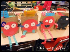 Cute bag idea Craft Work, Valentines Day, Christmas Ornaments, Holiday Decor, School, Party, February, Kids, Crafts