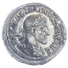 Maximinus Thrax Denar, Av: IMP MAXIMINVS PIVS AVG belorbeerte, drapierte und gepanzerte Büste nach rechts, Rv: PAX AVGVSTI Pax steht links, hält Zweig und Szepter