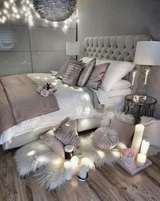 64 Very Beautiful and Comfortable Bedroom Decor ideas You can give your dorm room ideas a creative and personal touch with the dorm room decorating inspiration. The post 64 Very Beautiful and Comfortable Bedroom Decor ideas appeared first on Sovrum Diy. Dream Rooms, Dream Bedroom, Girls Bedroom, Bedroom Black, Bedroom Bed, Master Bedroom, Bedroom Furniture, White Bedrooms, Cream And Grey Bedroom